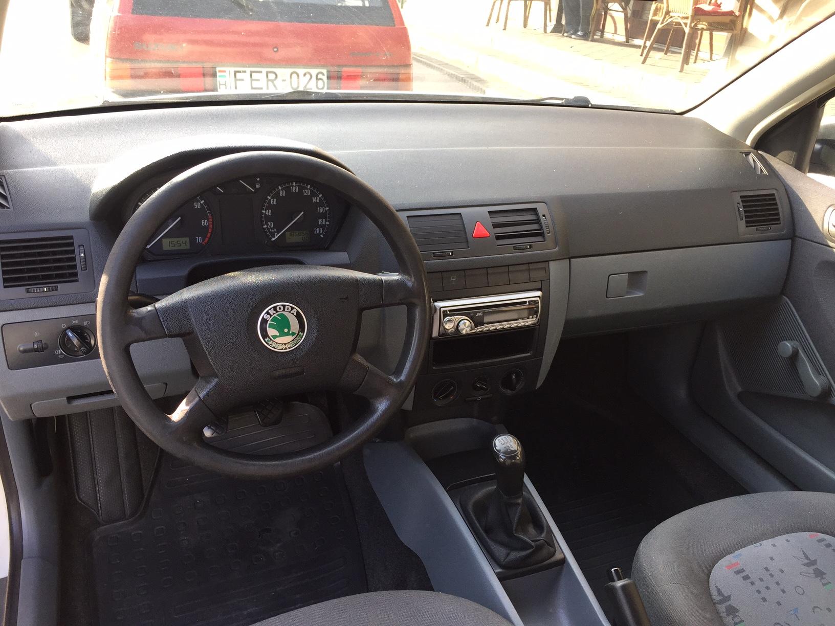 A Škoda Fábia hihetetlenül kényelmes és biztonságos, belső tere pedig nagyon jó állapotú